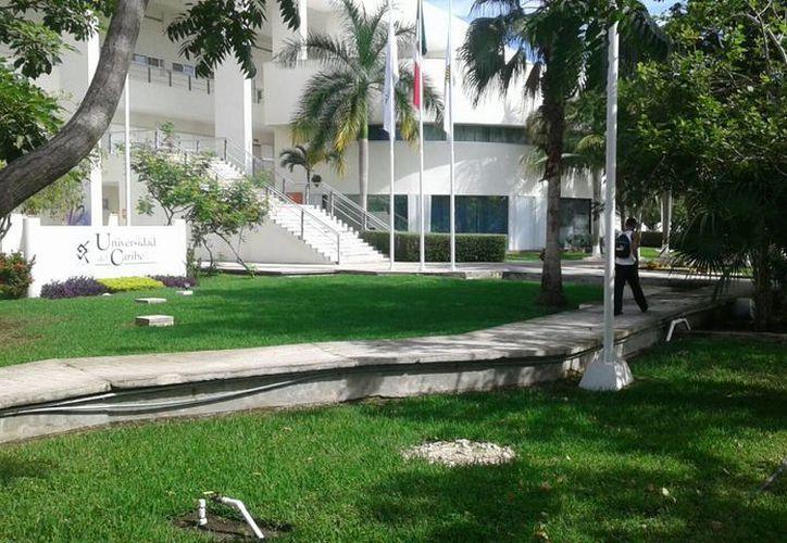 Se sumarán dos edificios de cinco plantas, la rectoría, el gimnasio y la piscina. (Redacción/SIPSE)