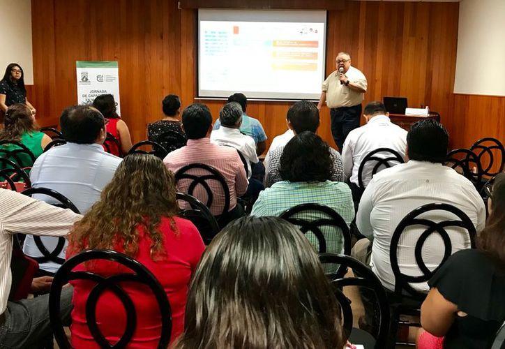 El taller se realizó en la sala de Capacitación del Tribunal Electoral de Quintana Roo. (Joel Zamora/SIPSE)
