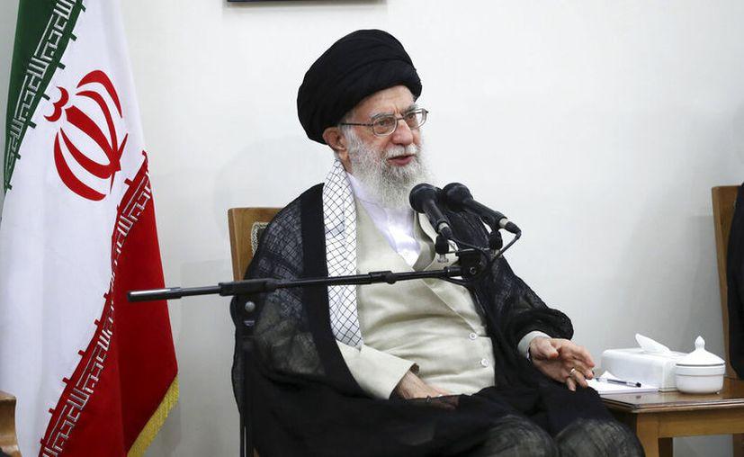 """""""La Casa Blanca sufre de retraso mental y no sabe qué hacer"""", dijo en farsi.(Oficina del L der Supremo de Ir n v a AP)"""