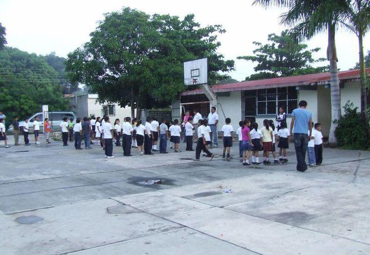 Alrededor de 100 alumnos del noveno municipio cobrarán cinco meses de apoyo escolar. (Rossy López/SIPSE)