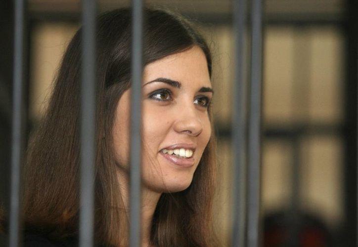Nadezhda Tolokonnikova, que ha pasado año y medio presa, al parecer no muestra arrepentimiento por lo que hizo. (Agencias)