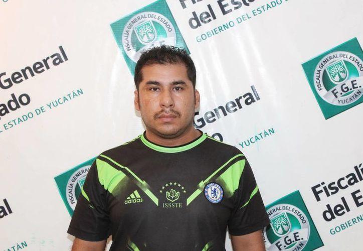 Junto con supuesto empleado de la CFE, Juan Pablo Dzib Herrera, engañó a un usuario de Chenkú. (Milenio Novedades)