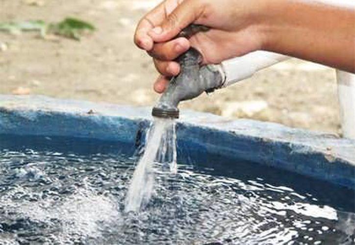 Estas obras, ayudarán a mejorará la distribución del vital líquido en el destino turístico. (Redacción/SIPSE)