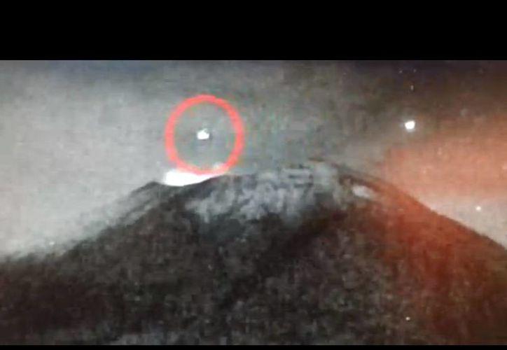 Este fue el tercer objeto volador no identificado avistado cerca del Popocatepetl. (YouTube)