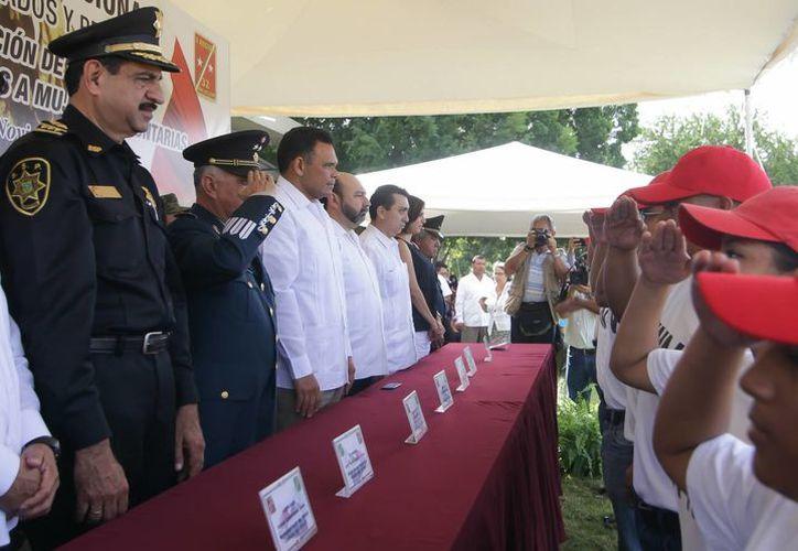 La ceremonia de entrega de las cartillas liberadas del SMN clase 1994 se realizó en las instalaciones de la X Región Militar de Mérida. (Cortesía)