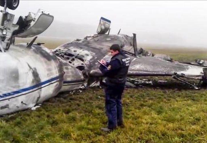 Entre los sospechosos del fatal accidente de un jet en el aeropuerto de Vnukovo, Rusia, están ahora el jefe del control de vuelos, dos controladores aéreos y un ingeniero. (Foto: AP)