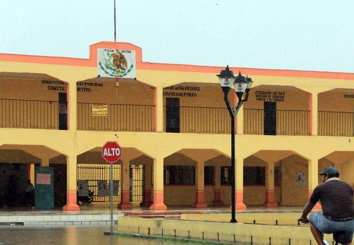 La Auditoría Superior del Estado descubrió en la comuna de Hoctún 'recibos de nómina' por 608 mil pesos de empleados que no están registrados. (Milenio Novedades)