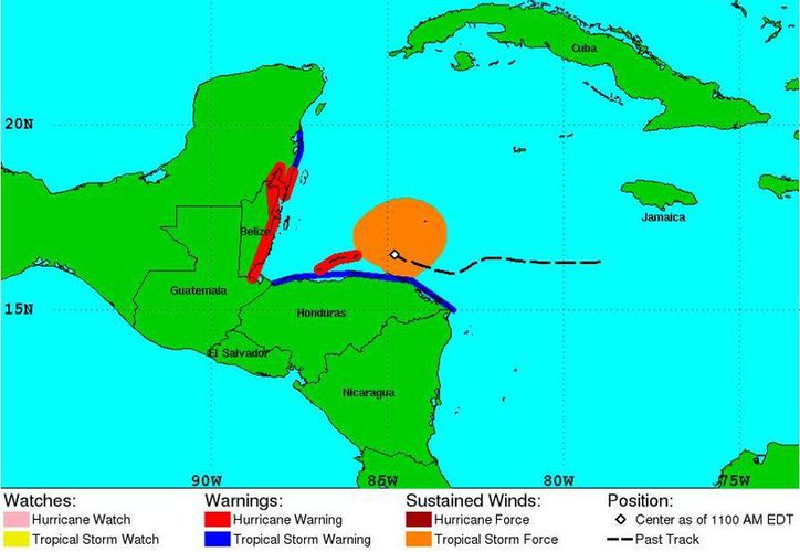 Mapa que muestra la zona de afectación de 'Earl', lugares en donde existe alerta por el fenómeno que esta noche puede convertirse en huracán. (NHC/NOAA)
