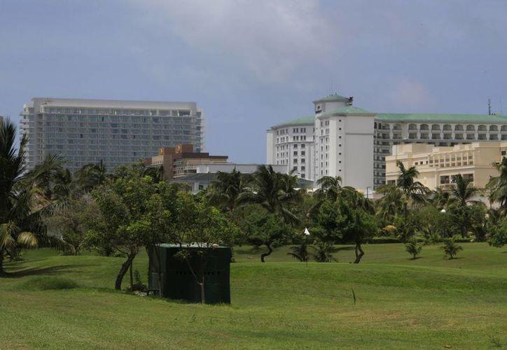 Las agencias de viaje emisoras promueven hospedajes en hoteles cuatro y cinco estrellas. (Israel Leal/SIPSE)