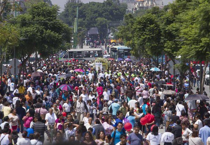 Inegi estima que el 48.6 por ciento de la población mexicana es del sexo masculino, es decir, que hay más mujeres, pues son el 51.4 por ciento. (Archivo/Notimex)