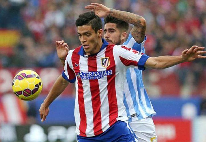 Raul Jiménez (primer plano) entró al partido cuando ya estaba prácticamente ganado para su escuadra; sin embargo, tuvo 2 oportunidades de gol que no aprovechó. La imagen fue tomada del sitio oficial del club.