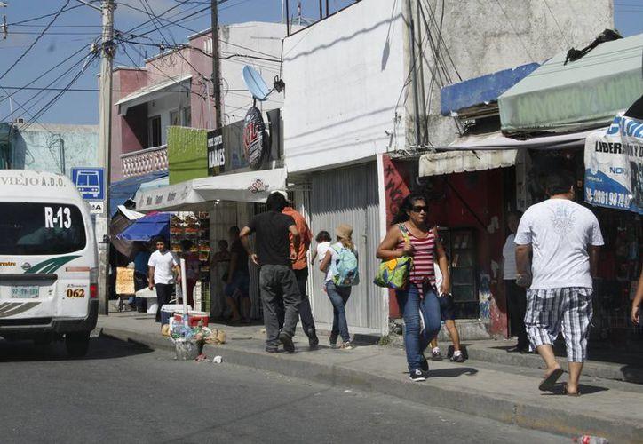 Este mes servirá para regular algunos establecimientos que se quedaron estancados en el trámite. (Tomás Álvarez/SIPSE)