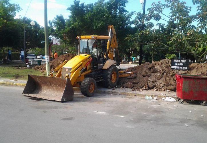Las autoridades municipales se comprometieron a reparar los daños efectuados en la zona. (Oskar Mijangos/SIPSE)