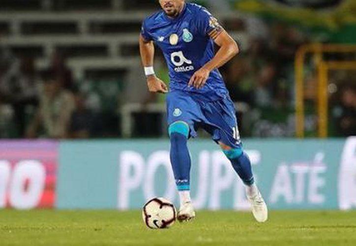 El mexicano solicitó un aumento de sueldo al Porto de casi seis millones de euros por temporada. (Instagram)