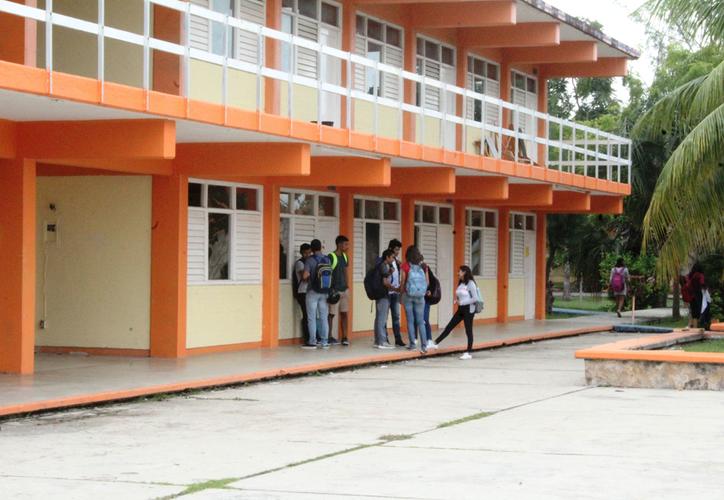 La dirección informó que los estudiantes no tendrán afectación, en todo caso se alargará el semestre uno o dos días. (Joel Zamora/SIPSE)