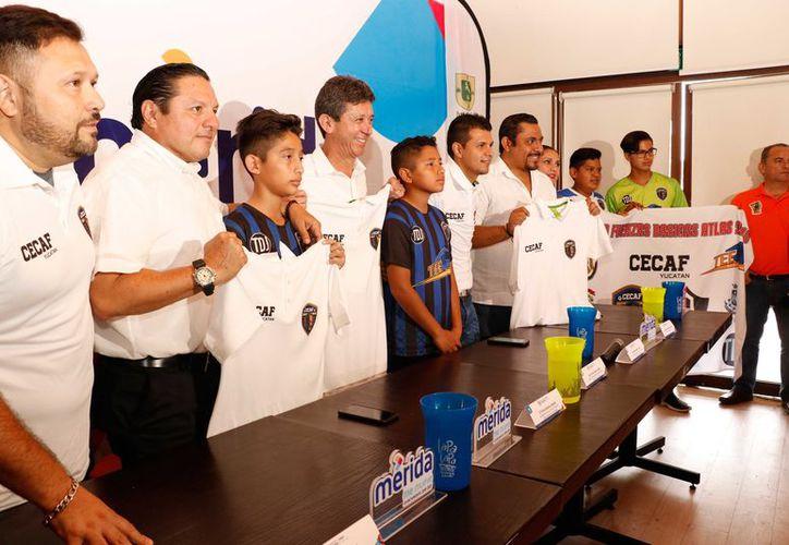 Buscan brindarles a jóvenes yucatecos la oportunidad de llegar a jugar a nivel profesional. (Foto: José Acosta / Novedades Yucatán)