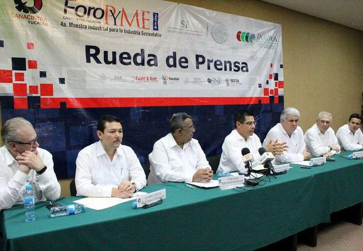 Enrique Jacobo Rocha, titular del Inadem, estuvo en Yucatán para acerca de la derrama crediticia en el Estado. (Milenio Novedades)