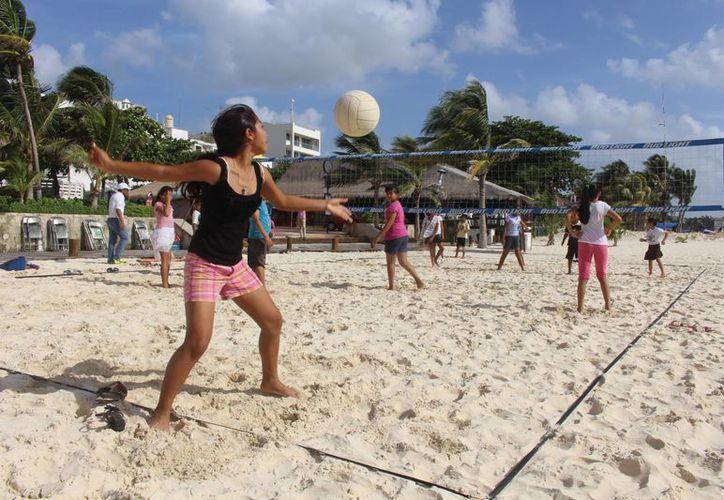 """El programa de actividades """"De  vuelta al mar"""" pretende acercar a la comunidad a las costas.  (Luis Ballesteros/SIPSE)"""