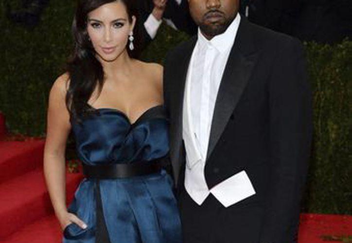 Ni Kardashian ni West han confirmado explícitamente los detalles del enlace. (Archivo/EFE)