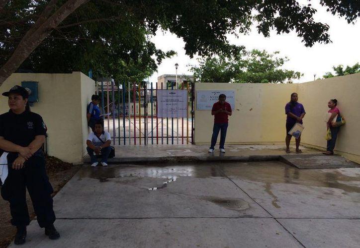 En algunas secciones de Playa del Carmen no han llegado los funcionarios de casilla. (Redacción/SIPSE)