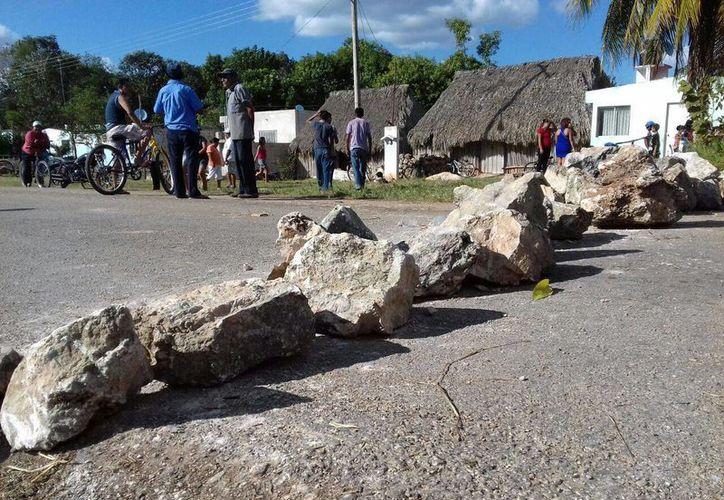Hace unos días, los agricultores de Carrillo Puerto y José M. Morelos bloquearon carreteras federales como señal de protesta. (Foto: Contexto/SIPSE)