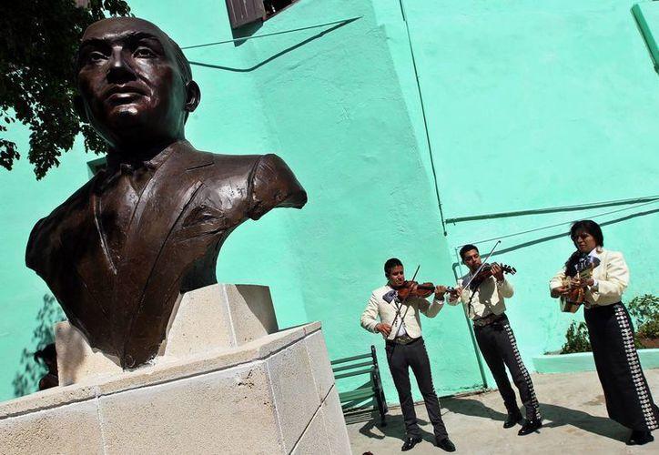 Busto del fallecido cantante mexicano Pedro Vargas, como parte de un homenaje organizado por Cuba. (EFE)
