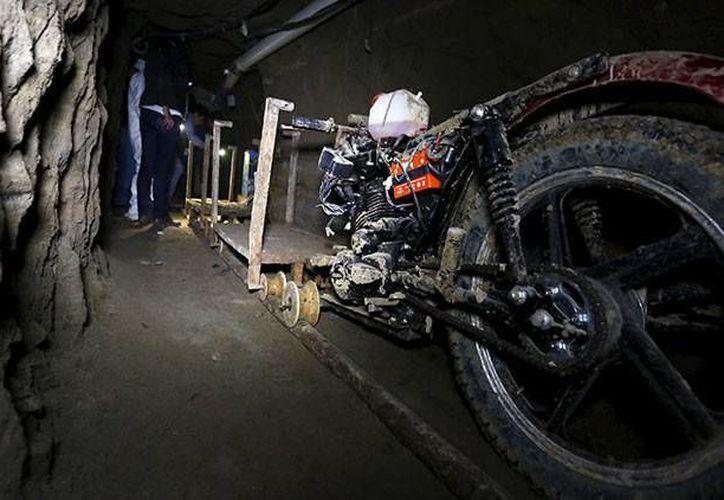 La motocicleta que supuestamente utilizó Joaquín Guzmán Loera para escapar del Altiplano. Este jueves la PGR informó sobre la detención de un piloto que supuestamente habría colaborado en la fuga de 'El Chapo'. (Archivo Reuters)