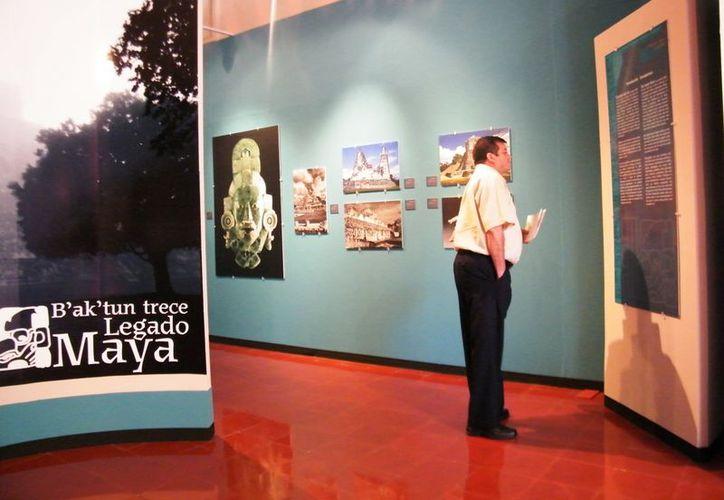 Las fotografías muestran distintas épocas de los mayas. (SIPSE)