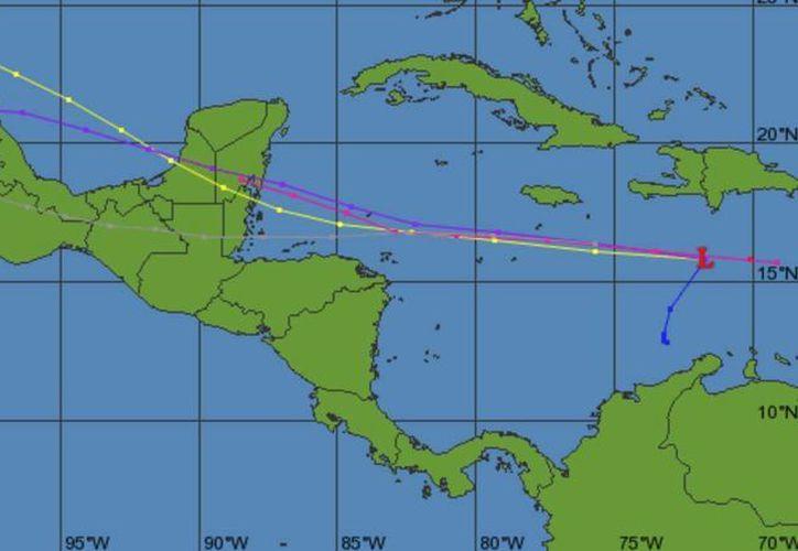 La zona de baja presión mantiene un 80% de probabilidad, para desarrollo ciclónico en el pronóstico a 48 horas. (Cazahuracán.org)