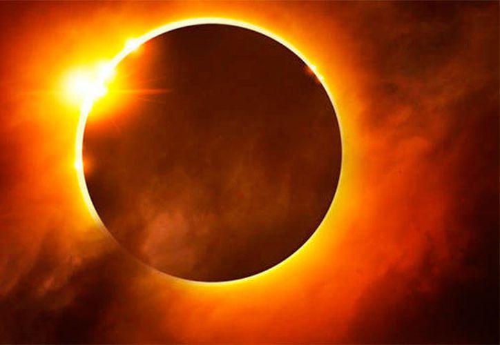 Lo más importante es no mirar al sol directamente sin protección. (Contexto)