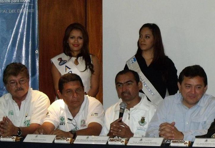 En la foto, la presentación del torneo regional que contará con siete categorías. (SIPSE)