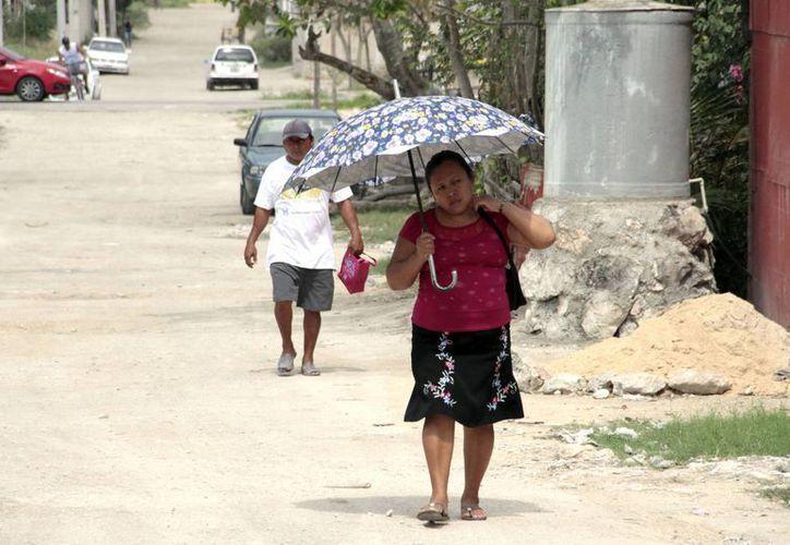 Los habitantes de Valle Verde, Tres Reyes y Avante, son quienes llegan con frecuencia al ayuntamiento en busca de ayuda. (Tomás Álvarez/SIPSE)