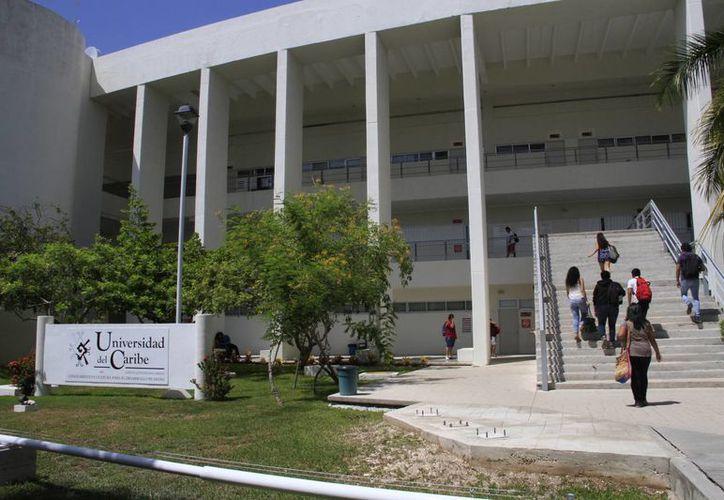 Las nuevas maestrías forman parte de la oferta educativa que ofrece la Universidad del Caribe en Cancún. (Tomás Álvarez/SIPSE)