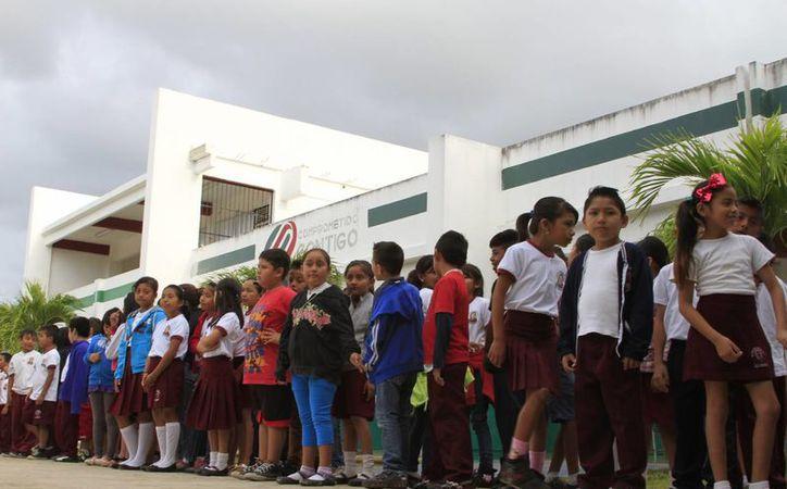 Los hijos de burócratas debieron recibir los apoyos en agosto. (Foto: Eddy Bonilla)