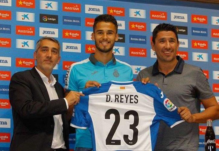 Diego Reyes, nuevo defensa del Espanyol de Barcelona, estará por segunda vez en su carrera en la Liga de España, pues ya antes formó parte de Real Sociedad. (Fotos de @RCDEspanyol y @Diego_Reyes13)
