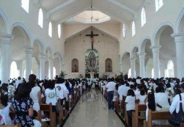 Se prevé que los días 10, 11 y 12 de diciembre aumente el arribo de creyentes en la iglesia. (Archivo/SIPSE)