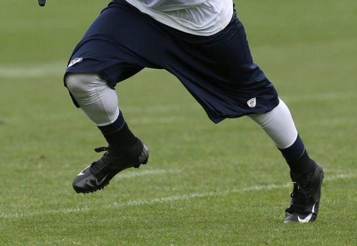 La NFL indicó que, de 100 exjugadores, el 60 por ciento tomaría la hormona y al resto se le darían placebos. (Agencias)