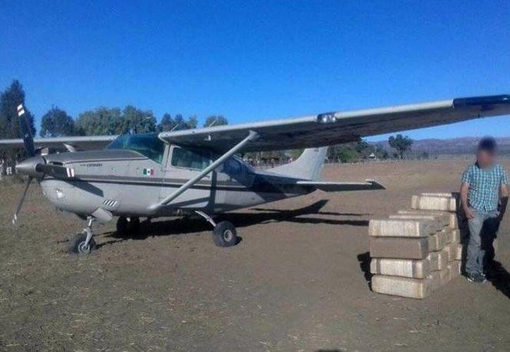 Los ocupantes de la aeronave fueron puestos a disposición de la autoridad correspondiente. (Excélsior)