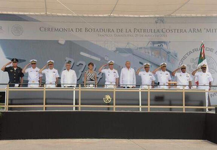 La secretaria de Salud, Mercedes Juan, presidió la ceremonia de botadura de la Patrulla Costera ARM Mitla PC-334, en Tampico. (Twitter.com/@SEMAR_mx)