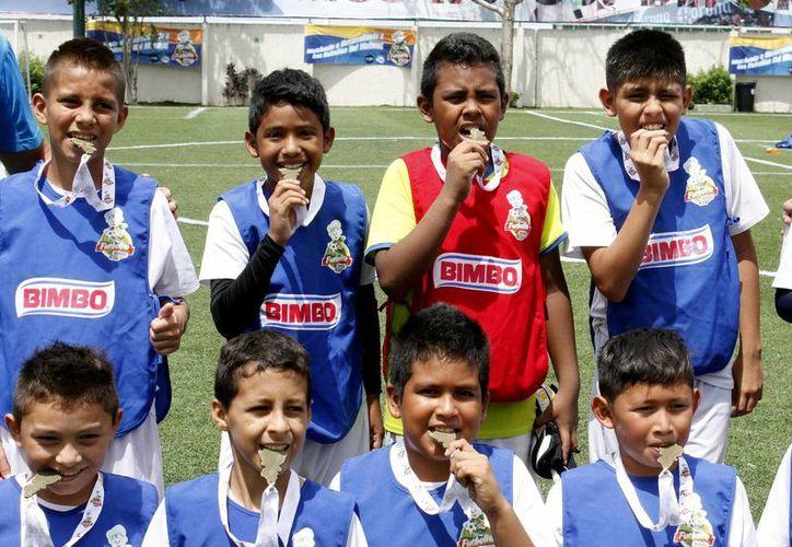 Los campeones de la Copa Futbolito Bimbo 2014 ya tiene campeones. (Foto de Contexto/SIPSE)