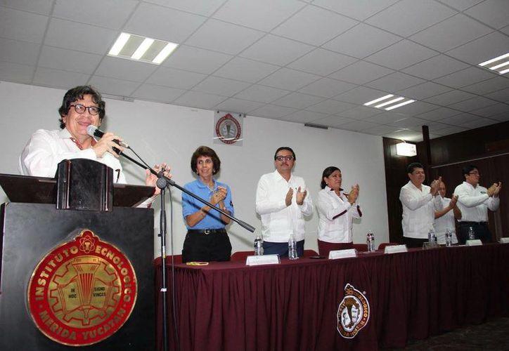 En el Instituto Tecnológico de Mérida se celebra el XVI Congreso Nacional de Ingeniería Eléctrica y Electrónica del Mayab, mientras en la Uady, se celebra el VIII Congreso Internacional de Ingeniería Física. (Milenio Novedades)