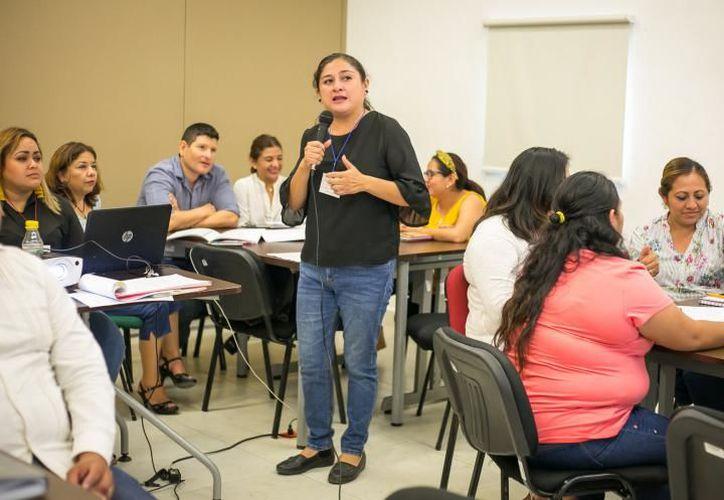 Los primeros módulos se impartieron en los Centros de Desarrollo Educativo de la capital estatal. (Novedades Yucatán)