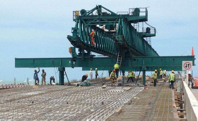 El dirigente de Canacintra informó que las obras de infraestructura a realizar en el puerto de Progreso benefician al sector productivo del Estado. (Archivo/Milenio Novedades)