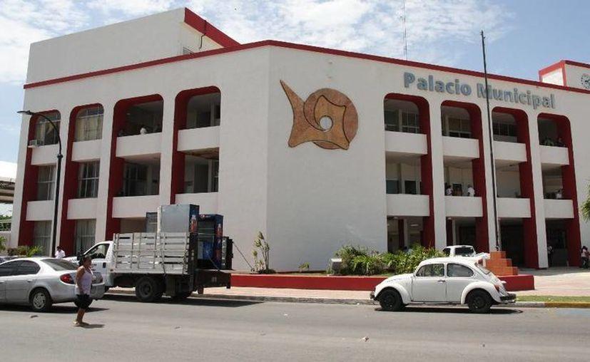 La nómina del Ayuntamiento de Othón P. Blanco registró inflación de casi dos mil 900 trabajadores. (Enrique Mena/SIPSE)