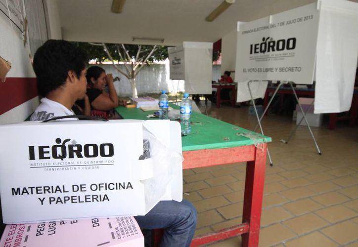 El titular del Ieqroo consideró aventurado emitir una cifra de la participación electoral. (Harold Alcocer/SIPSE)