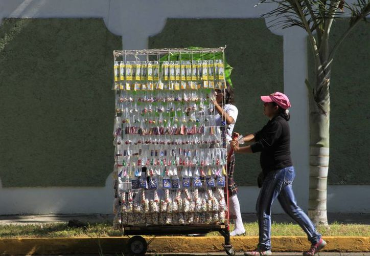 Autoridades otorgaron 50 permisos para venta de pirotecnia en la ciudad. (Ángel Castilla/SIPSE)