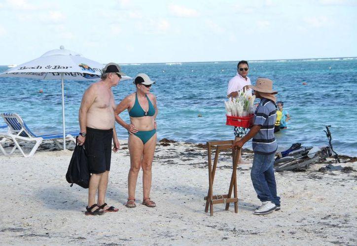 La playa es el principal atractivo para los turistas. (Tomás Álvarez/SIPSE)