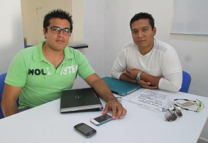 Luis Adolfo Cabrera Mandujado e Israel Arturo Domínguez son los directores de los espacios formativos del Cowork Closerme. (Cecilia Ricárdez/SIPSE)