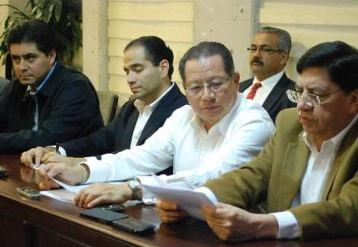 Autoridades durante la firma de la minuta. (Milenio)