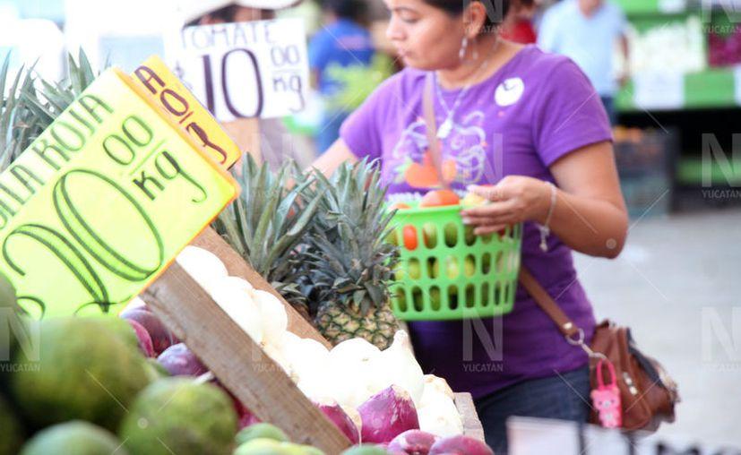 Algunos insumos o alimentos pueden escasear en las próximas semanas en tiendas y mercados del interior del estado. (Jorge Acosta/Novedades Yucatán)